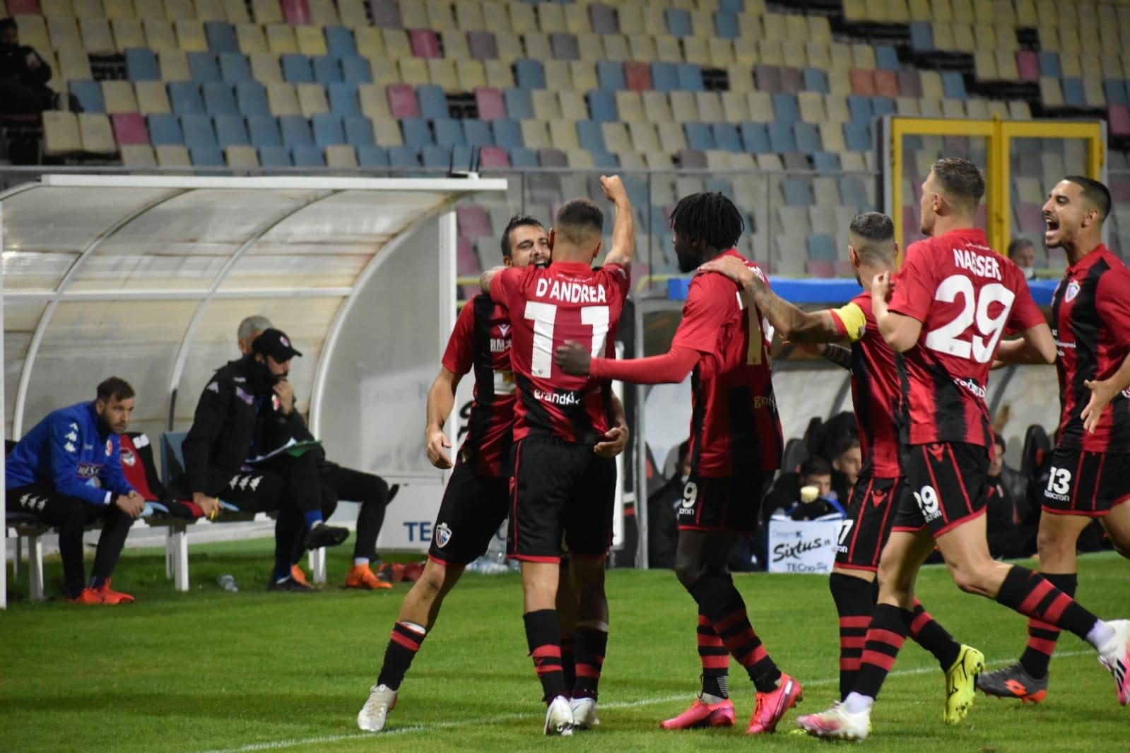 Playoff, rinviato il secondo turno: Bari-Foggia si gioca il 19 Maggio ⋆  lagoleada.it