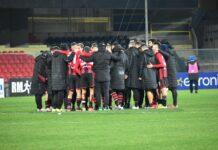 I calciatori del Foggia dopo il pareggio
